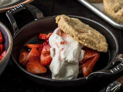 Baked Strawberry Shortbread