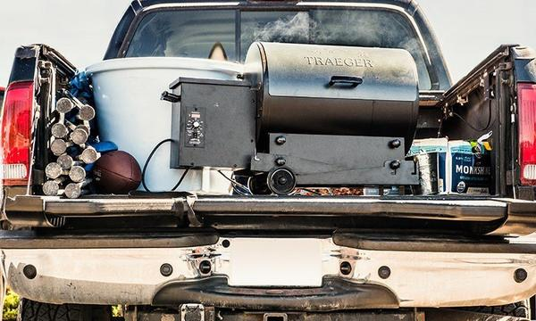 Tailgater-Blue-Feature-Image-Mobile-Traeger-Wood-Pellet-Grills