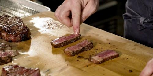 Techniques & Tips: How to Properly Rest a Steak thumbnail