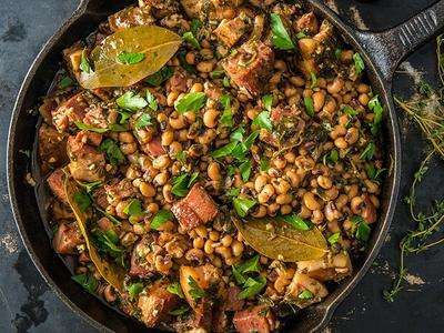 New Year's Black Eyed Peas with Homemade Smoked Bacon Recipe