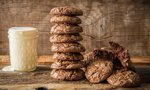 Baked Chocolate Brownie Cookies with Egg Nog