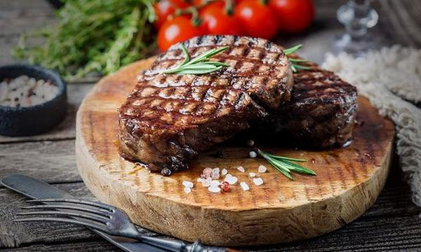 searing-steak-traeger-grills