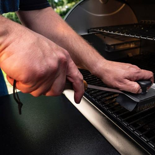 traeger-bbq-cleaning-brush-lifestyle