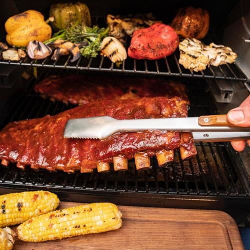 traeger-bbq-grilling-tongs-lifestyle