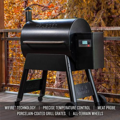 traeger-black-780-lifestyle-features