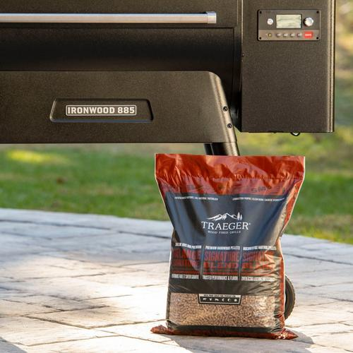 traeger-new-int-signature-pellets-lifestyle