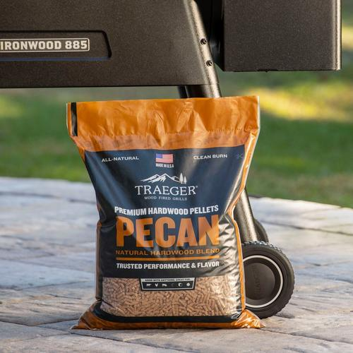 traeger-new-pecan-pellets-lifestyle