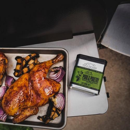 traeger-pork-&-poultry-rub-lifestyle-food