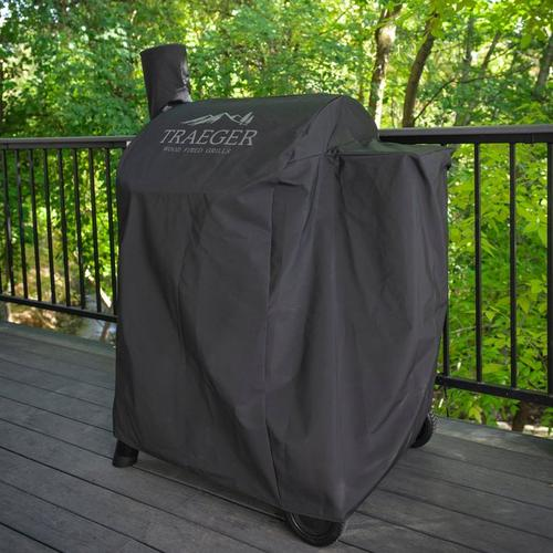 traeger-pro-575:22series-full-length-grill-cover-lifestyle
