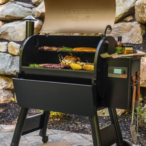 traeger-pro-series-780-pellet-grill-bronze-lifestyle-lid-open