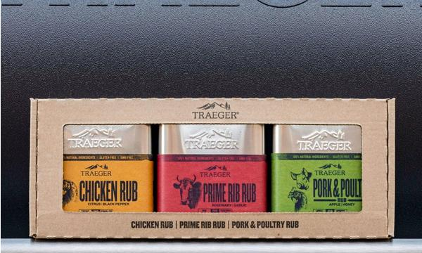 traeger-seasoning-3-pack-lifestyle-grill-handle