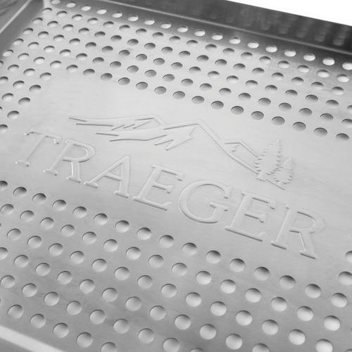 traeger-stainless-grill-basket-studio-close-up