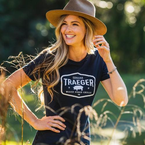 traeger-womens-certified-tshirt-lifestyle-women-4