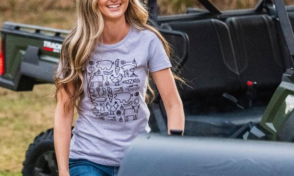 traeger-womens-chefs-table-tshirt-lifestyle-women-3