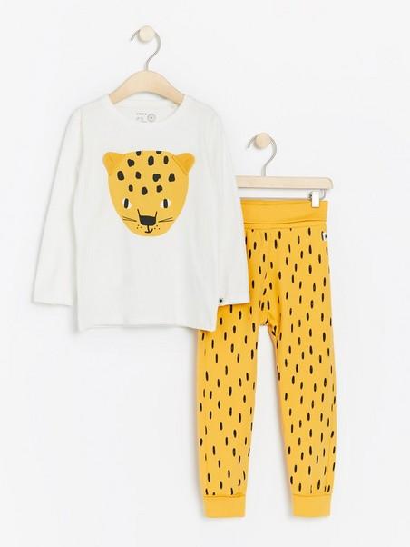 Köpa Leopard klänning i Nässjö erbjudanden, rabatter och