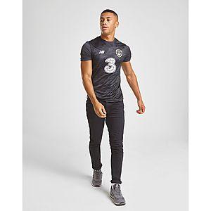 1a51558d2 New Balance Republic of Ireland Lightweight T-Shirt ...