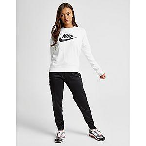 designer fashion beede 6abf4 Nike Essential Futura Crew Sweatshirt Nike Essential Futura Crew Sweatshirt