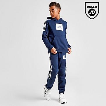 Adidas tracksuit size 7 8
