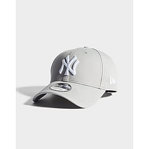 e3215ec8 ... New Era MLB New York Yankees 9FORTY Cap