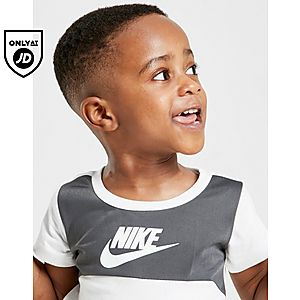 3d6e8a03c32 ... Nike Hybrid Colour Block T-Shirt/Shorts Set Infant