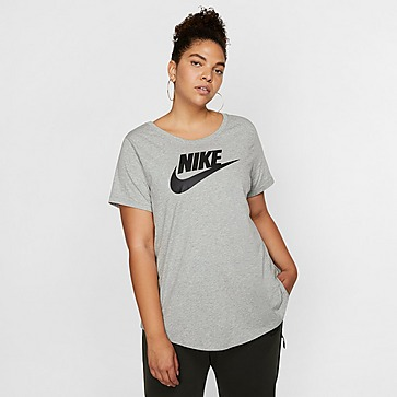 Nike Essential Futura Plus Size T-Shirt Damen