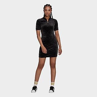 adidas Originals High Collar in Velvet with Embossed Originals Monogram Short Sleeve Kleid