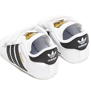 adidas Originals Superstar Crib para bebé