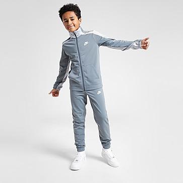 Nike Verryttelyasu Juniorit