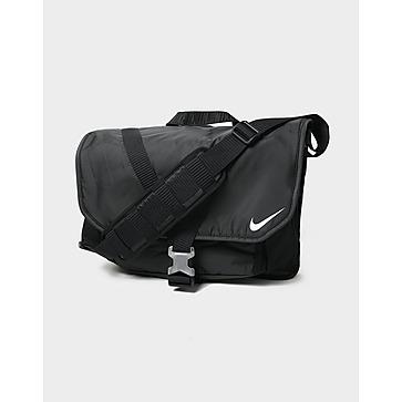 Nike Essentials Messenger Bag