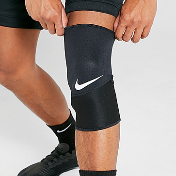Nike Pro Combat Closed Patella Sleeve