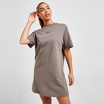 Nike Short Sleeve Graphic Tee Dress