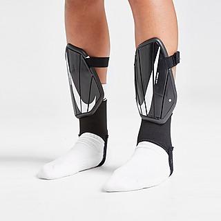 Nike Charge Benskydd Junior