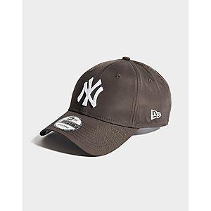 567a88954b7154 Men's Caps, Snapbacks & Men's Hats | JD Sports