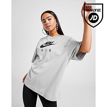 Nike Air Boyfriend T-Shirt ผู้หญิง
