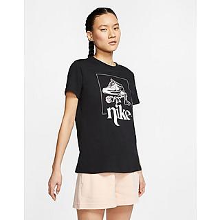 Nike เสื้อยืดผู้หญิง Street