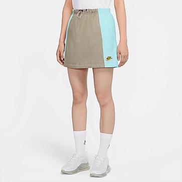 Nike กระโปรงผู้หญิง AS W NSW ICN CLSH SKIRT WVN
