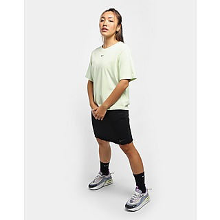 Nike กระโปรงผู้หญิง Icon Clash