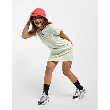 Nike ชุดเดรสผู้หญิง Icon Clash