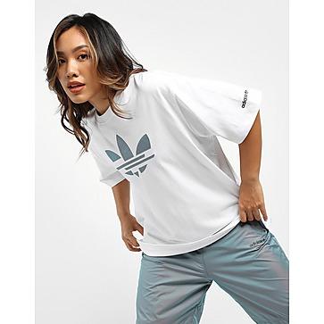 adidas Originals เสื้อยืดผู้หญิง Adicolor Iridescent Shattered Trefoil