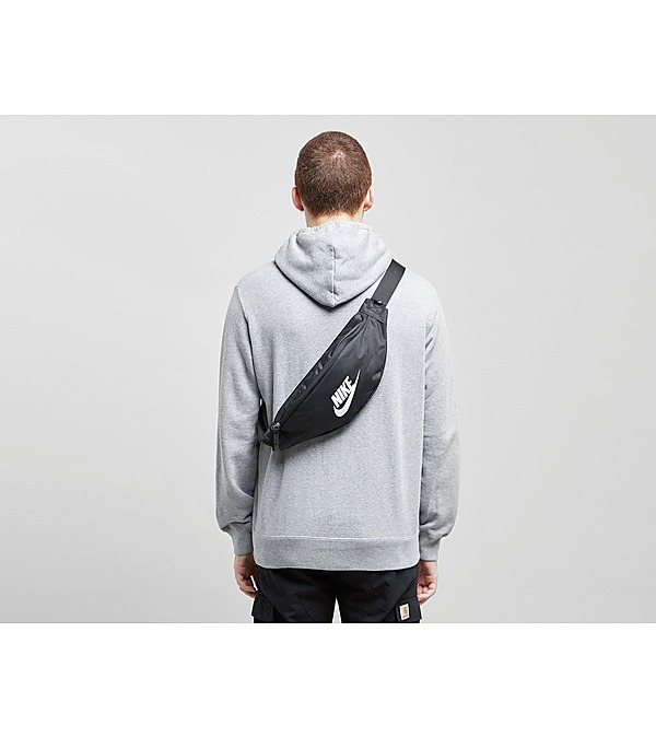 black-nike-heritage-hip-bag