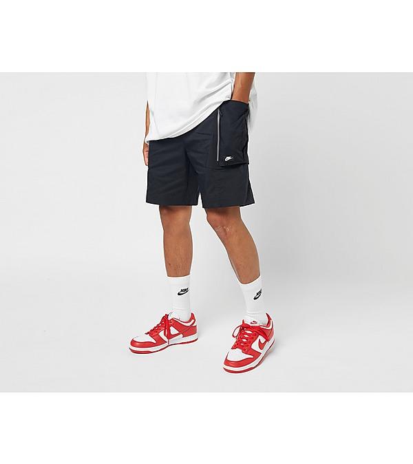 black-nike-sportswear-cargo-shorts
