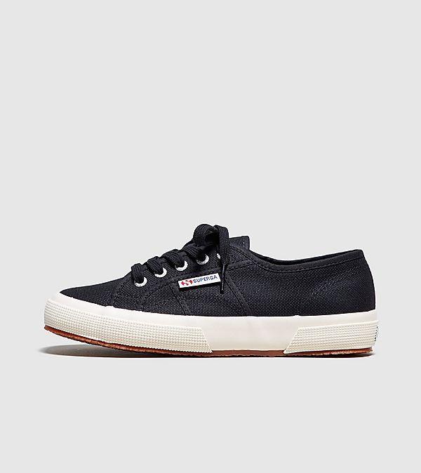 844fa8b1 size? | Shop Sneakers, Tøj & Tilbehør | Trainers, T-Shirts, Jakker ...