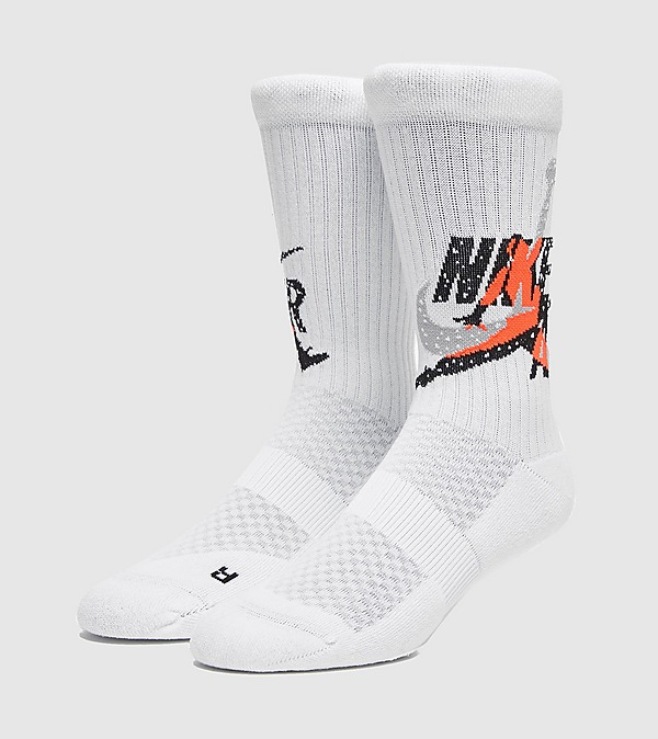 white-jordan-legacy-socks