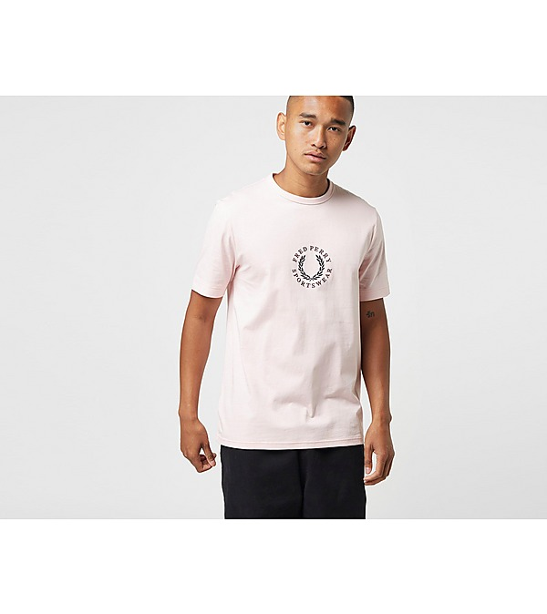 pink-fred-perry-emroidered-t-shirt