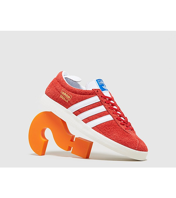 red-adidas-originals-gazelle-vintage