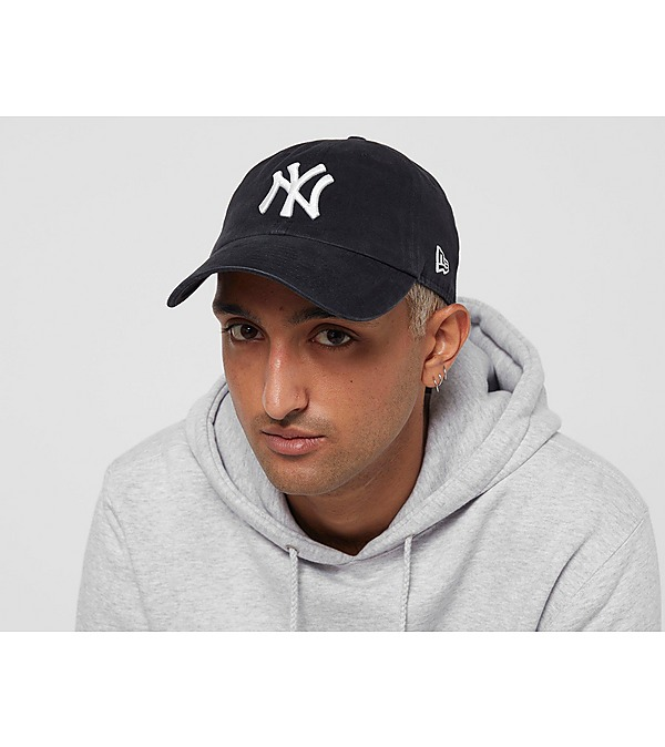 black-new-era-mlb-casual-classic-new-york-yankees-cap