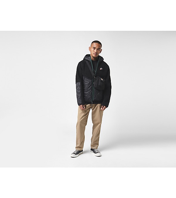 black-nike-heritage-insulated-jacket