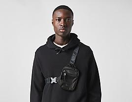 black-nike-essentials-hip-pack