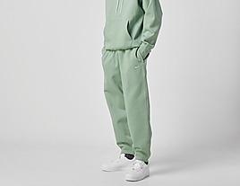green-nike-nrg-premium-essentials-fleece-pant