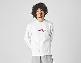 white-tommy-jeans-tommy-timeless-crewneck-sweatshirt